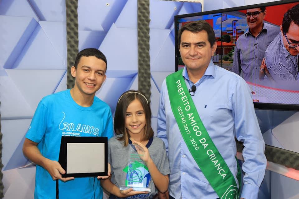 Prefeitura de Picuí recebe Comenda e Premiação em Homenagem ao Prefeito Amigo da Criança