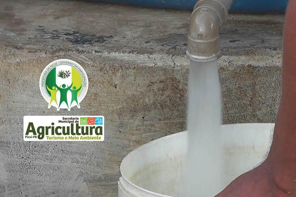 Em 6 meses, Prefeitura de Picuí garante  o abastecimento da zona urbana através de 1.314 pipas d'água