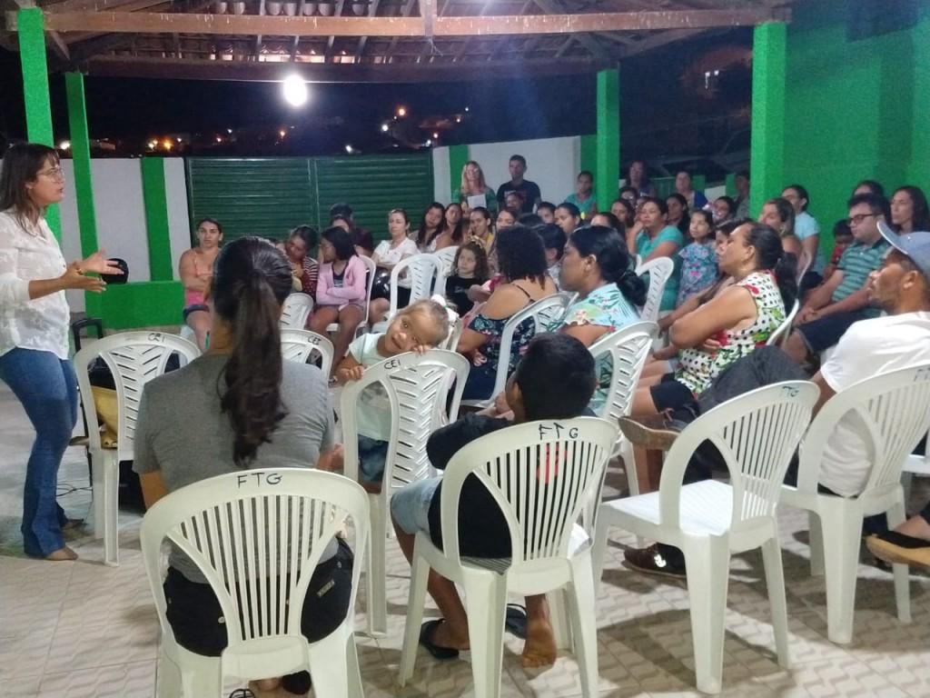 CEI Marta Maria realiza palestra sobre alimentação infantil com os pais