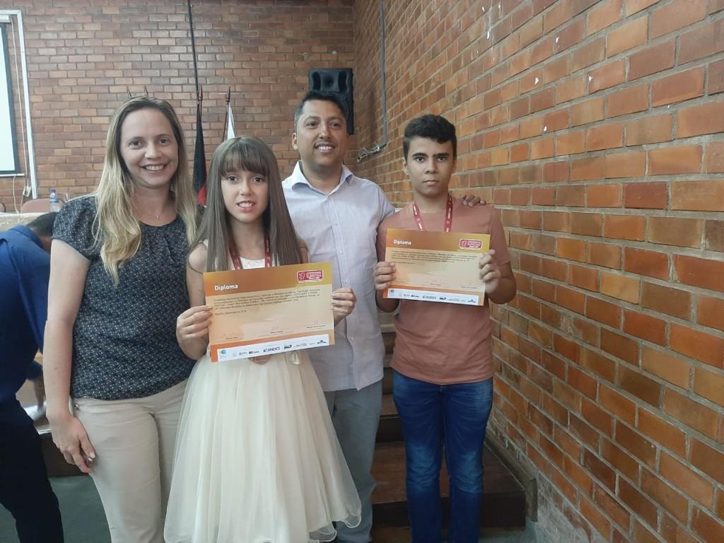 Alunos da Escola Ana Maria Gomes receberam medalhas da 14ª OBMEP