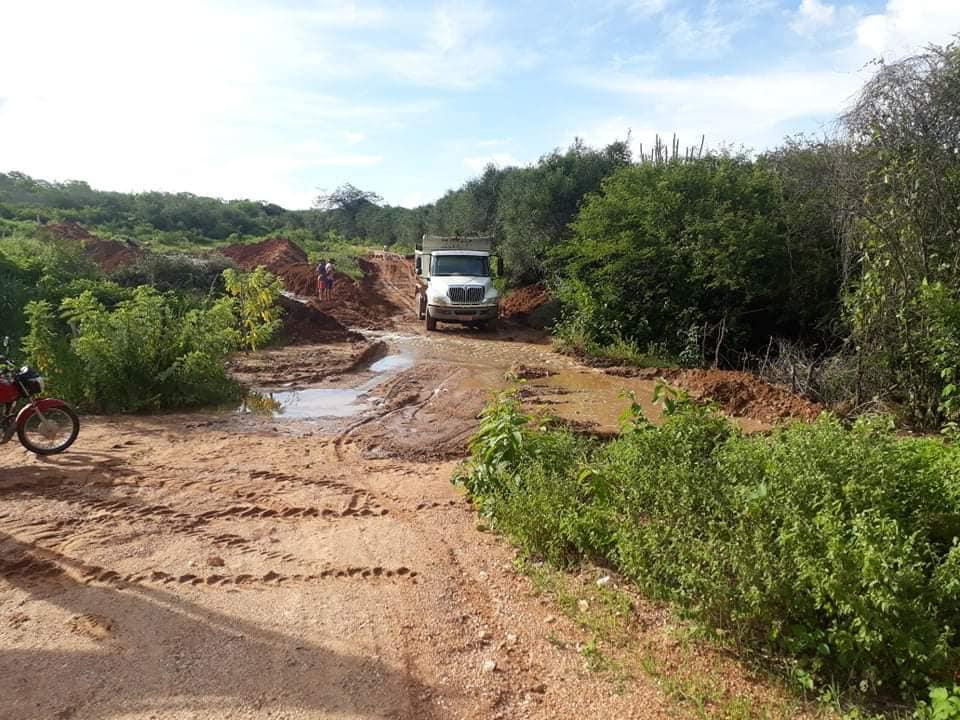 Equipe Força Tarefa da Prefeitura de Picuí Realiza Trabalho Intensivo de Recuperação Das Estradas Vicinais