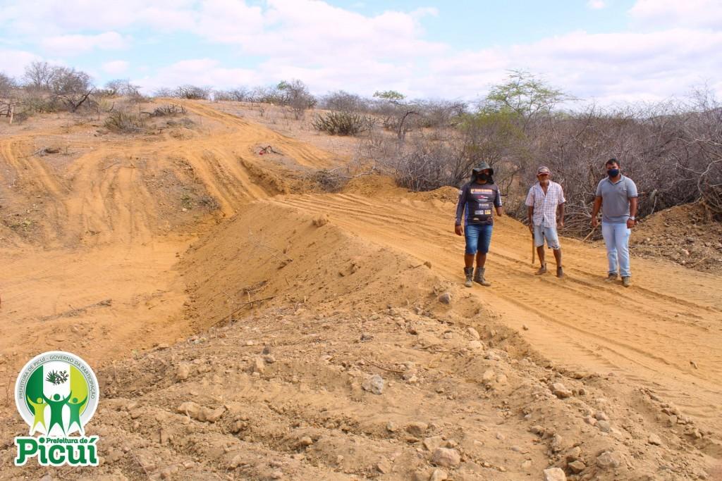 Secretaria de Agricultura em Ação: Barreiro é Construído para Beneficiar Famílias da Comunidade Rural Boa Sorte