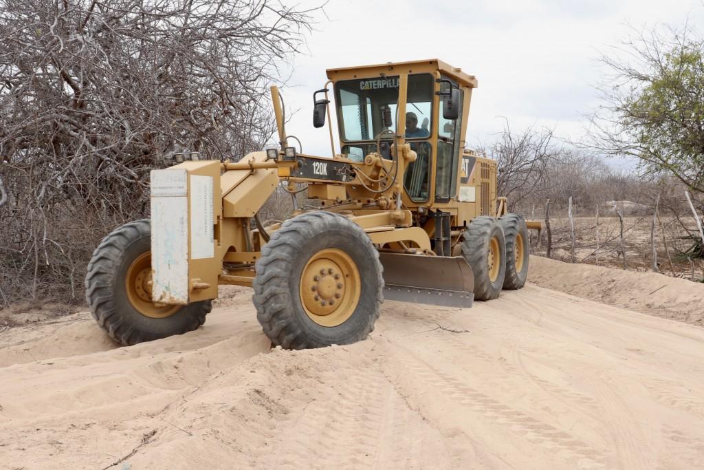 Ação de Recuperação de Estradas Vicinais segue no Município de Picuí