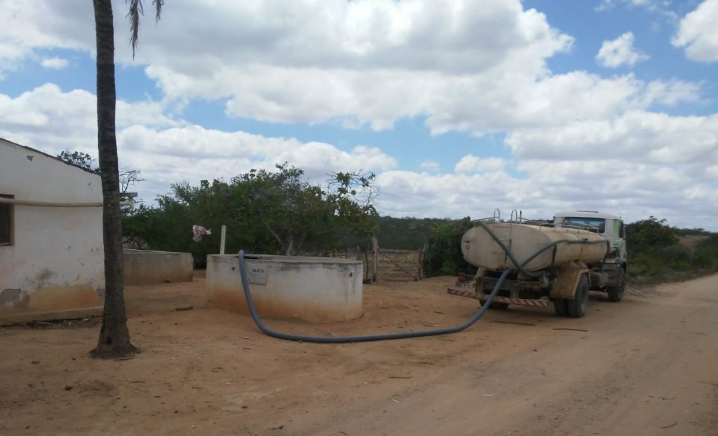Em novembro , Prefeitura de Picuí reabasteceu 520 pontos  de  água