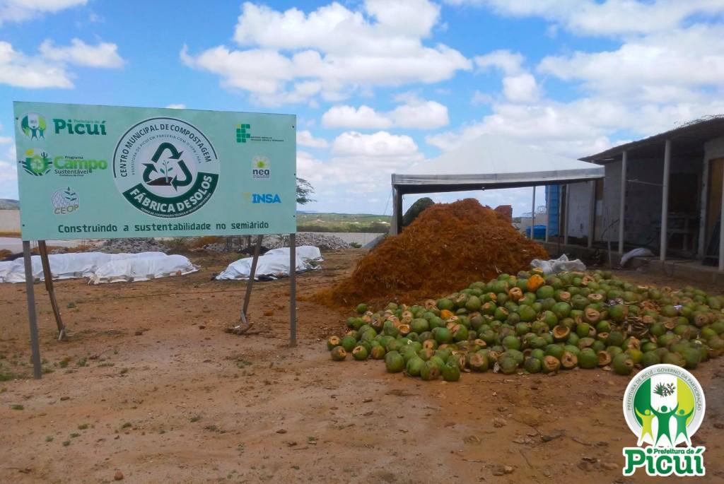 Centro de Compostagem do Município transforma em adubo cocos verdes consumidos nos primeiros dias da Festa do Padroeiro