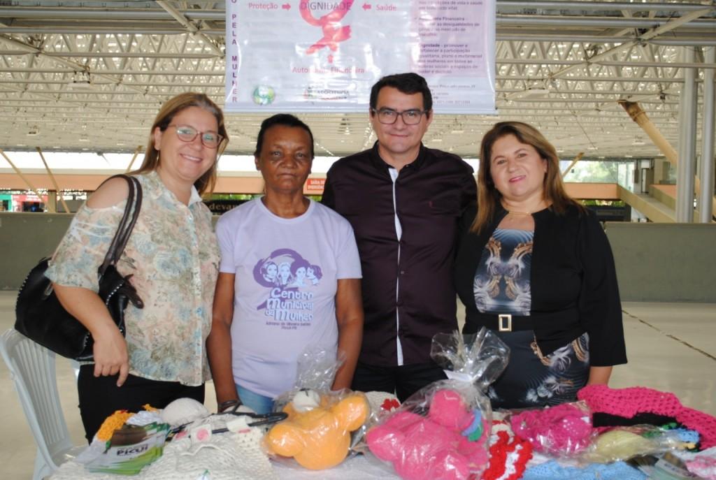 Centro Municipal da Mulher Leva o Crochê para a Feira do Artesanato, em João Pessoa