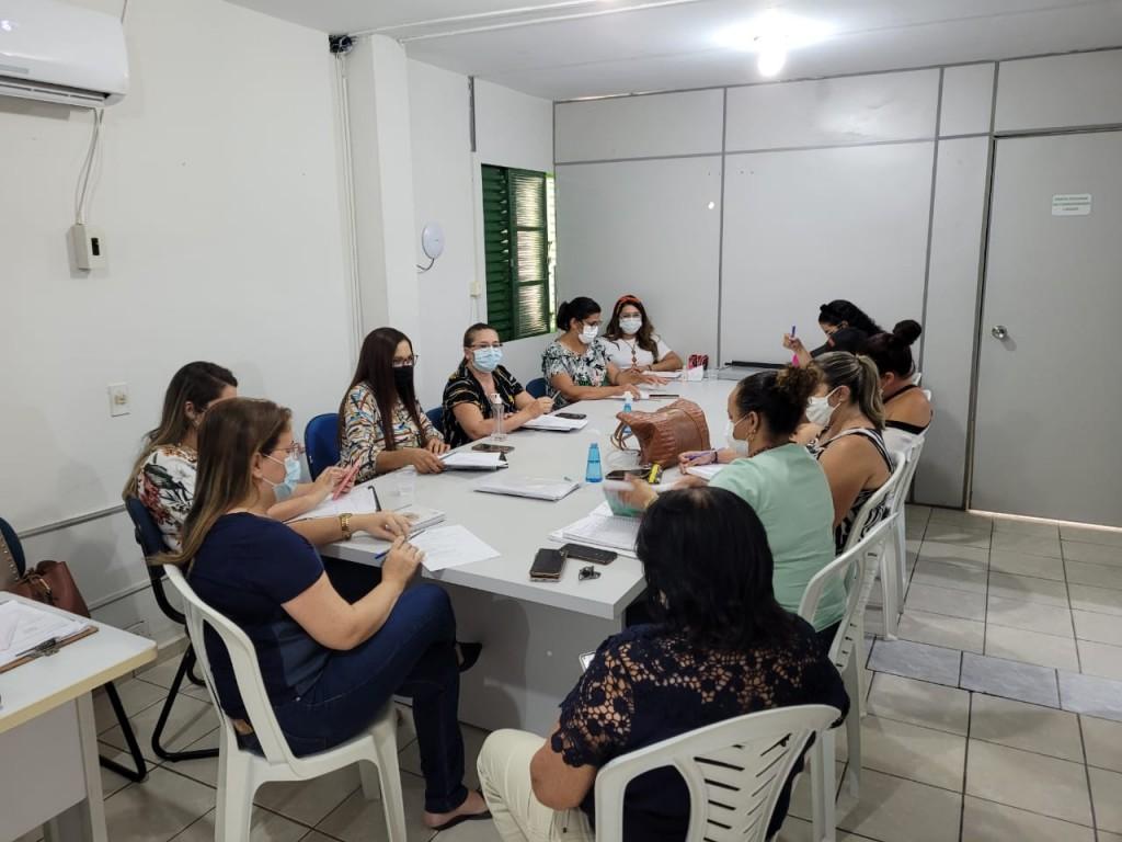 Secretaria de Assistência Social realiza reunião mensal com coordenadores