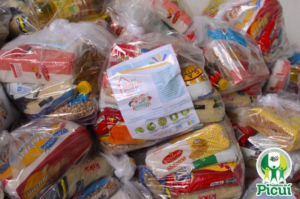 Kits de Merenda Escolar são Distribuídos para os Alunos Regulamente Matriculados na Rede Municipal de Ensino