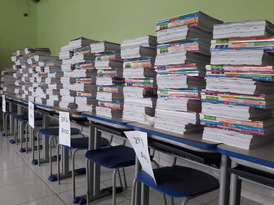 Secretaria de Educação Realiza Entrega dos Livros Didáticos em todas as Unidades Escolares do Município