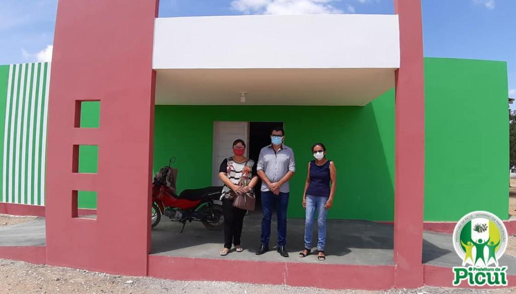 Prefeito Constitucional Realiza Visita com a Secretária de Saúde nas duas Unidades de Saúde da Zona Rural de Picuí