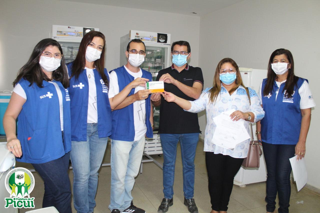 Picuí recebe as Primeiras Doses da Vacina contra a COVID-19 e Campanha de Vacinação tem Início nesta Quarta (20) | Secretaria de Saúde - Prefeitura Municipal de Picuí